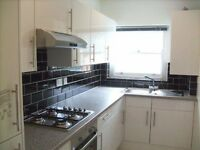 2 bedroom flat in Chevening Road, Queens Park, NW6