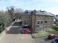 2 bedroom flat in Darnley Road, Gravesend, DA11