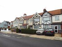4 bedroom house in Lewgars Avenue, Kingsbury, NW9