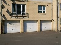 Garage for rent. Abbeyhill/Meadowbank. Separate storage room & power.