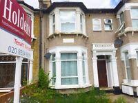 1 bedroom flat in Courtland Avenue, Ilford, IG1