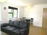 2 bedroom flat in College Road, Kensal Rise, NW10