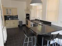 1 bedroom flat in Pantygwydr Road, Uplands, Swansea, SA2 0JB