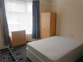 6 bedrooms in Waterloo Place, Brynmill, Swansea, SA2 0DE