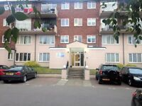 2 bedroom flat in Silkdale Close, Oxford, OX4