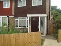 2 bedroom flat in Meadow Close, Whitton, HOUNSLOW, TW4