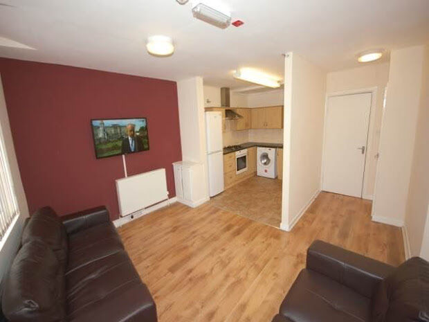4 bedroom flat in Kensington, Kensington, Liverpool, L7