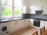 3 bedroom flat in Cavendish Road, Kilburn, NW6