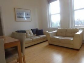 2 bedroom flat in Finchley Road, London, NW2
