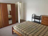 2 bedroom flat in Staines Road , HOUNSLOW, TW4