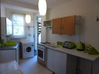 Studio flat in Carlton Avenue, Westcliff-on-Sea, SS0