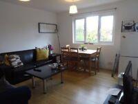 1 bedroom flat in Hallswelle Road, Golders Green, NW11