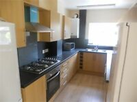 6 bedrooms in Pantygwydr Road, Uplands, Swansea, SA2 0JA