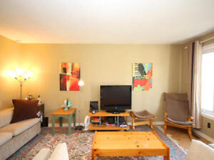 Room available 2 min walk to St. Lawrence College