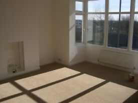 4 bedroom flat in Old Shoreham Road - P1160