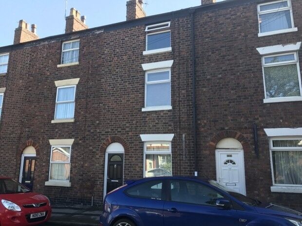 4 bedroom house in Bond Street, Macclesfield, SK11