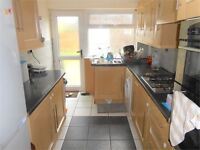 2 bedroom house in Heather Crescent , Sketty, Swansea, SA2 8LS