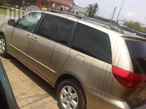 2004-2010 Toyota Sienna sliding doors,tailgate etc..PARTS ONLY!