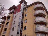 2 bedroom flat in Kings Road, Reading, RG1