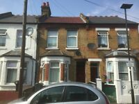 3 bedroom house in Pears Road, Hounslow, TW3