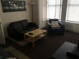 Large room shared house West Bridgford No Fee No deposit