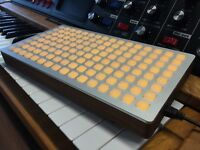 Monome 128 grid