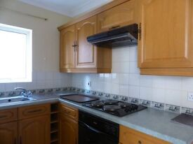 2 bedroom flat in Osmond Road - P1511