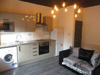 4 bedroom flat in Holt Road, Edge Hill, LIVERPOOL, L7