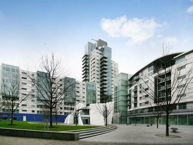 HIGH SPEC NEW BUILD IN LONDON BRIDGE £300PW AVAILABLE NOW!