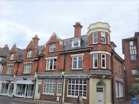 3 bedroom flat in Commercial Road, Ashley Cross, Poole, BH14