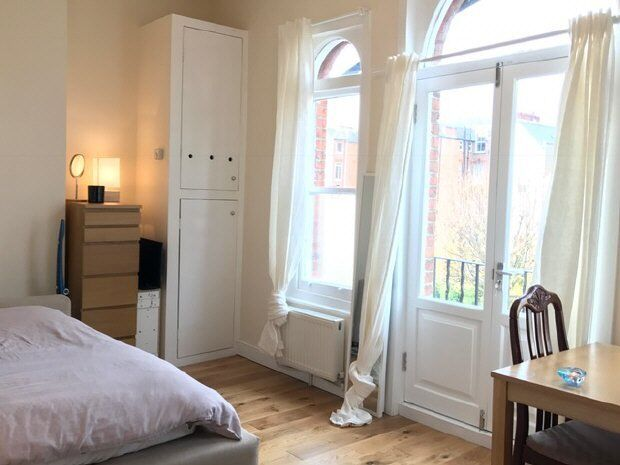 Studio flat in Greencroft Gardens