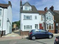 2 bedroom house in Clarendon Road, Luton, LU2