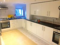 3 bedroom flat in Station Road, West Drayton, UB7