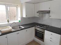 5 bedrooms in De-Breos Street, Brynmill, Swansea, SA2 0BY