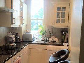 2 bedroom flat in Kingston Hill, Kingston upon thames, KT2