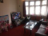 1 bedroom flat in Burns Way, Heston, TW5