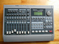 Roland VS-880 Digital Studio Workstation vs880 with VS8F-1 card music effect for keyboard guitar