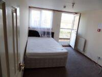 Studio flat in 240 Dunstable Road, Bury Park, LU4