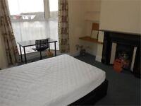 4 bedrooms in Bayview Terrace, Brynmill, Swansea, SA1 4LT