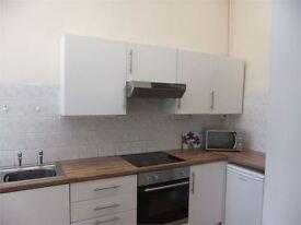 4 bedrooms in Beach Street, Sandfields, Swansea, SA1 3JP