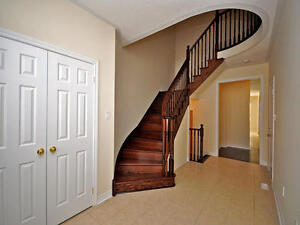 2 years old Townhome, 1700 Sq.ft | Milton - Derry & James Snow
