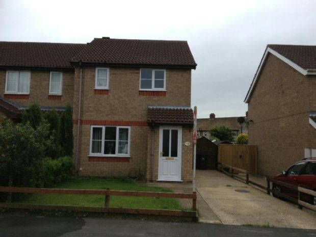 2 bedroom house in Fulmar Drive, Louth