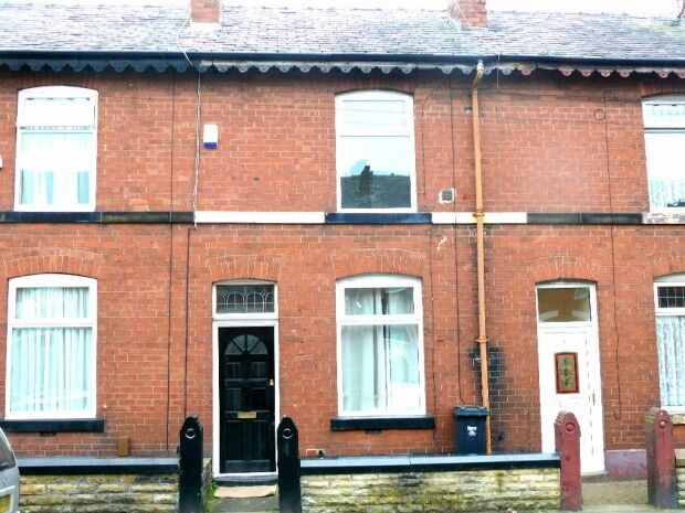 2 bedroom house in Barlow Street, Radcliffe, Bury, M26