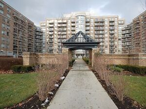 Lawrence West Subway *Fully Furnished Condo*  All Inclusive*
