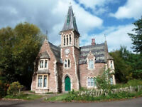 WOW EN-SUITE ROOMS IN GOTHIC PROPERTY WITTON