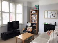 2 bedroom flat in Alexandra Road, London, SW19