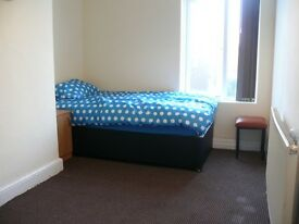 1 bedroom in Market Street, Farnworth, Bolton, BL4
