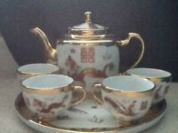 Tea set with Oriental pattern in new condition