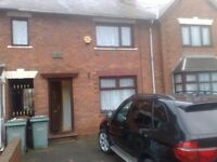 2 bedroom house in Dickinson Drive, Walsall, WS2