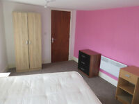 4 bedroom flat in Albany Road, Kensington Fields, Liverpool, L7